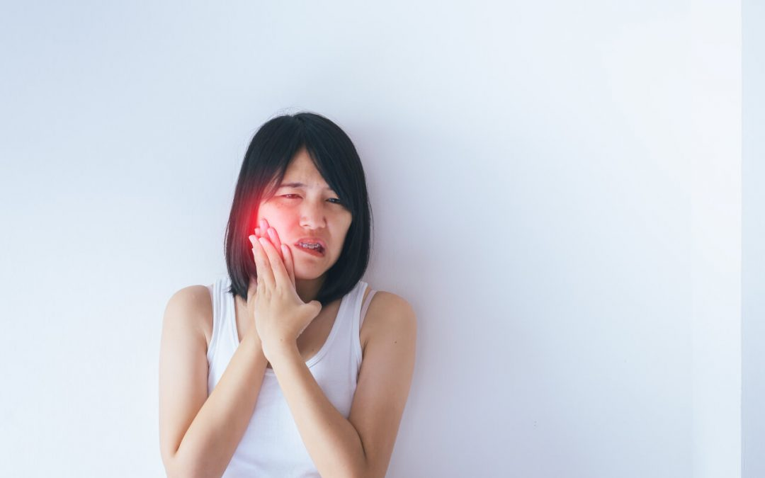 Acupressure for TMJ disorder