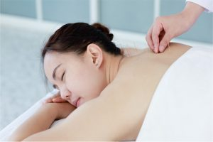 Performing acupuncture therapy